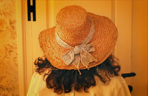 nantucket-island-visit-thrift-hat